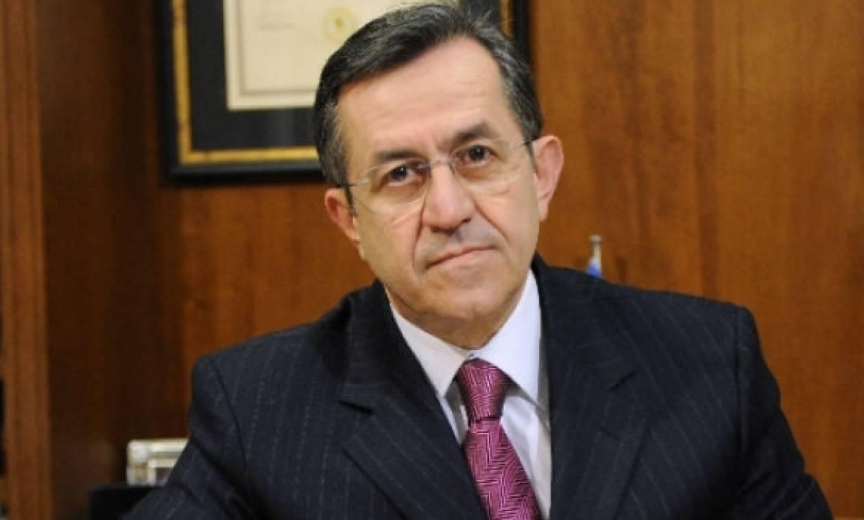 Νικολόπουλος: Ο Φούρας σπατάλησε 19 δισ. δρχ μόνο για τη... σαπουνάδα !