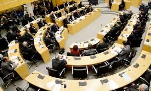 Κυπριακό: Δηλώσεις υποστήριξης από ΔΗΣΥ και ΑΚΕΛ