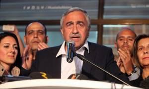 Κυπριακό: Σε τουρκικές εγγυήσεις και εκ περιτροπής προεδρία επιμένει ο Ακιντζί