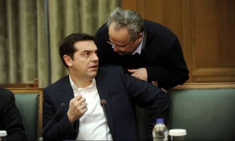 Κυπριακό: Έξαλλος ο Τσίπρας με τα σενάρια αποχώρησης του Κοτζιά