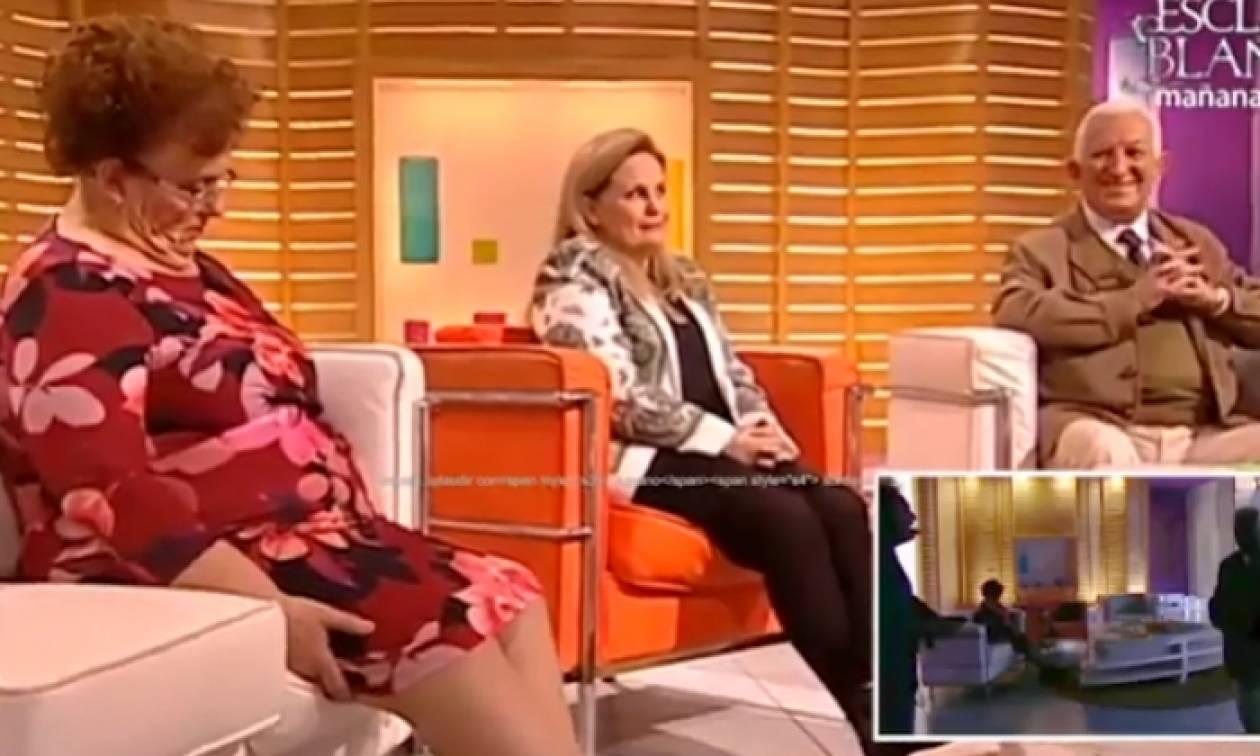 Πήγε καλεσμένη σε εκπομπή και την πήρε ο... ύπνος! (video)