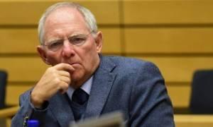 «Βόμβα» Σόιμπλε: Αν δεν συμμετάσχει το ΔΝΤ στο ελληνικό πρόγραμμα, τα δεδομένα αλλάζουν