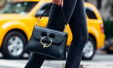 Πέντε tips για να ανακαλύψεις ποια τσάντα θα κρατήσεις τη φετινή σεζόν
