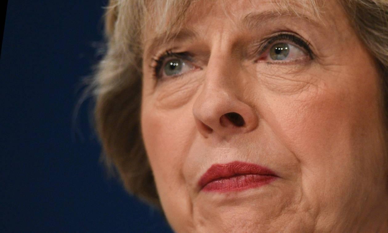 To Brexit μόλις έγινε επίσημο! Οριστική έξοδο της Βρετανίας από την ΕΕ ανακοίνωσε η Τερέζα Μέι