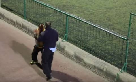 Γονείς πλακώθηκαν άγρια σε παιχνίδι ακαδημιών ποδοσφαίρου (vid)