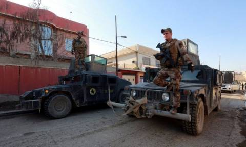 Mosul battle: Iraqi army retakes city's east from IS