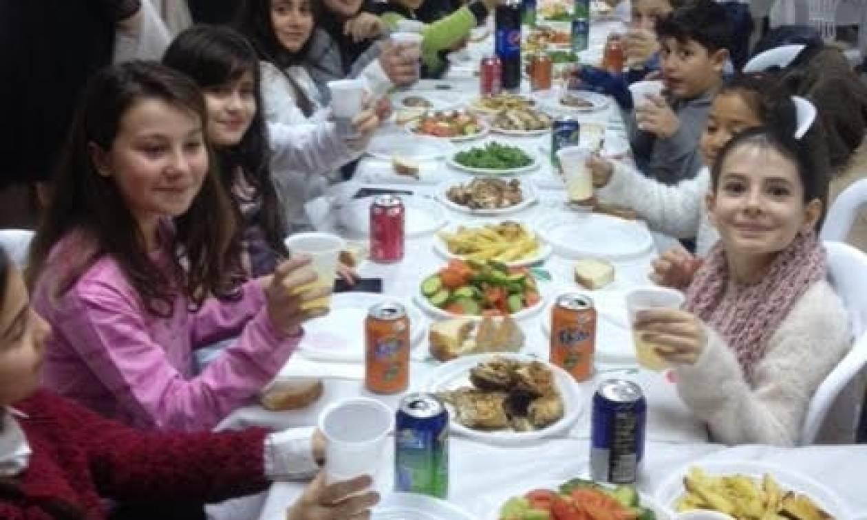 Το καλύτερο «Ποδαρικό» για τη νέα χρονιά έκανε η Εύξεινος Λέσχη Χαρίεσσας με ένα ευχαριστήριο γεύμα