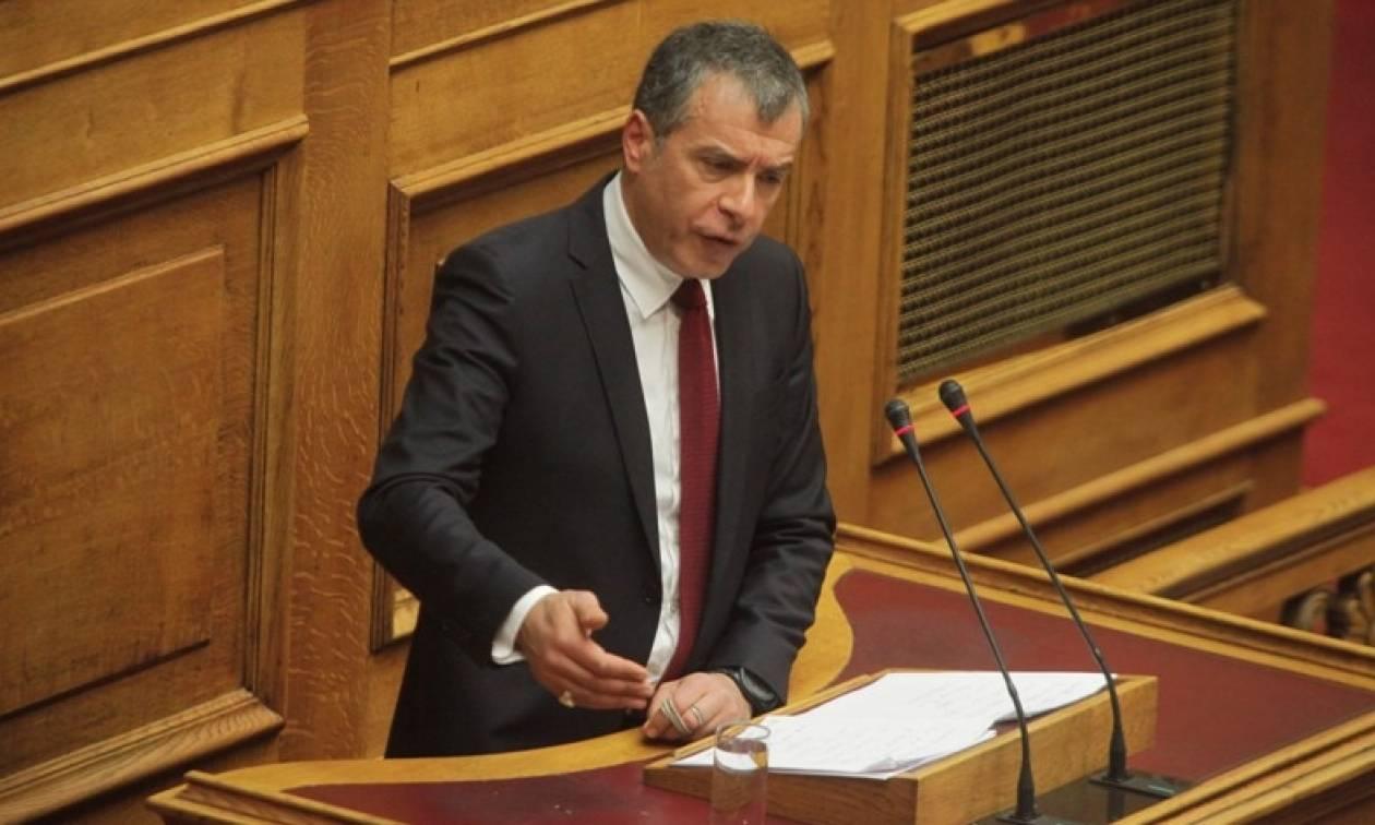 Θεοδωράκης: Κυβερνητική επέλαση στα ΜΜΕ