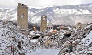 Σεισμός Ιταλία: Μια μητέρα και το παιδί της απεγκλωβίστηκαν από κτήριο που κατέρρευσε