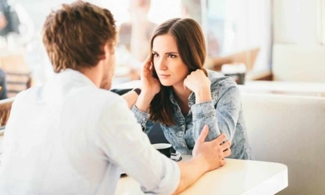 Εσύ το ήξερες; Οι άνδρες μεταφέρουν περισσότερες πληροφορίες από τις γυναίκες όταν μιλoύν