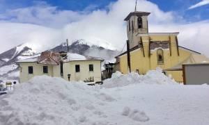 Χιονοστιβάδα - Ιταλία: Τα ειδικά εκπαιδευμένα σκυλιά δεν εντόπισαν επιζώντες στο ξενοδοχείο
