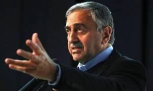 Ο Ακιντζί απαντά σε ΚΚΕ και ΔΚ για δήλωσή του περί χάρτη