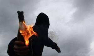 Θεσσαλονίκη: Επίθεση με βόμβες μολότοφ κατά ΜΑΤ μετά από πορεία αντιεξουσιαστών (pics&vid)