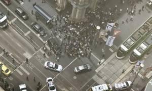 Αυστραλία: Συναγερμός στη Μελβούρνη - Αυτοκίνητο έπεσε πάνω σε πεζούς (vids)