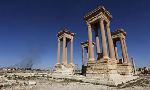 Συρία: Το Ισλαμικό Κράτος κατέστρεψε το Τετράπυλον στην Παλμύρα
