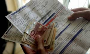 ΠΡΟΣΟΧΗ: Πώς να πληρώνετε τους λογαριασμούς της ΔΕΗ για να κατοχυρώσετε το αφορολόγητο