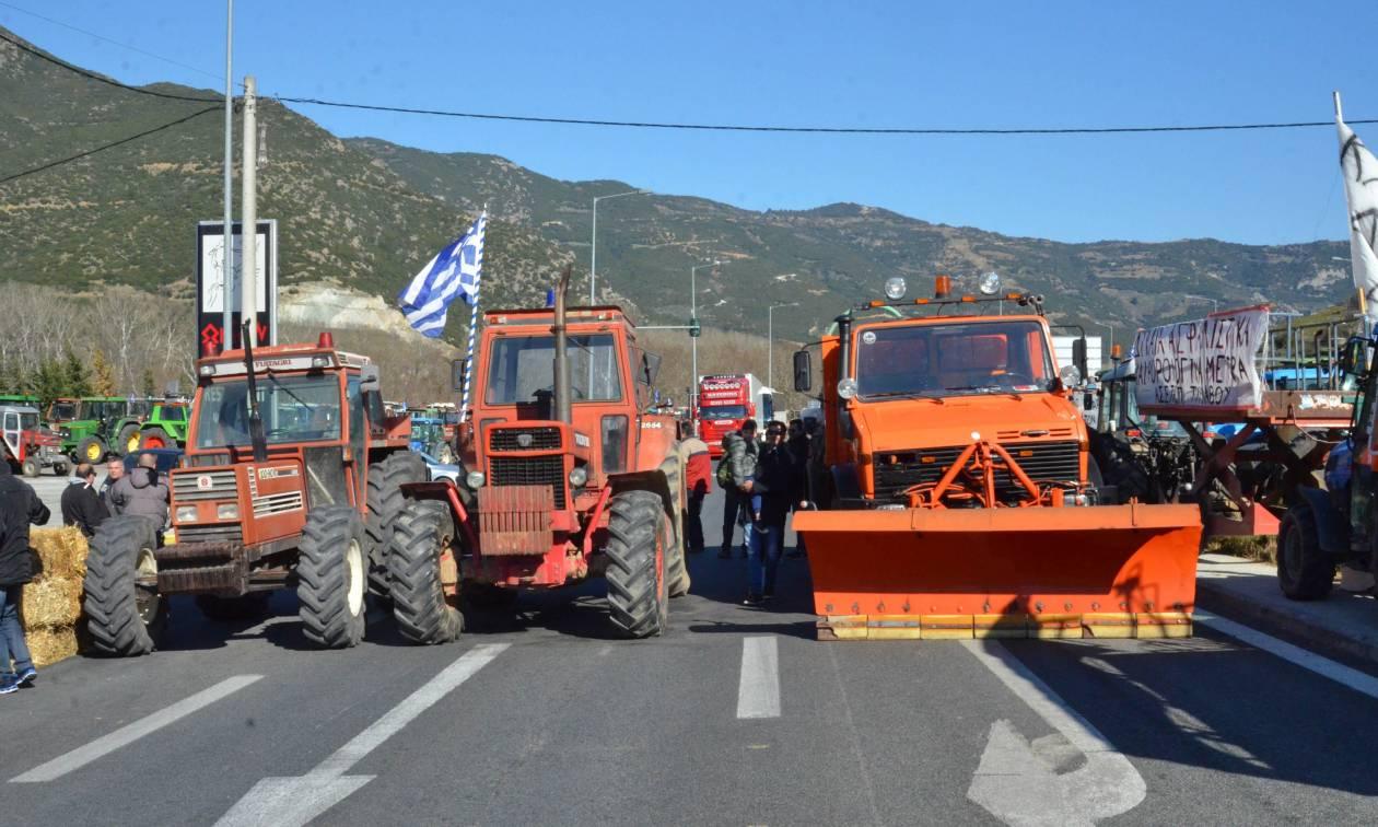 Μπλόκα αγροτών: Στους δρόμους τα τρακτέρ από τη Δευτέρα (23/01)