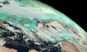 Καιρός: Νέος χιονιάς πλησιάζει την Ελλάδα – Πότε θα εκδηλωθούν τα φαινόμενα
