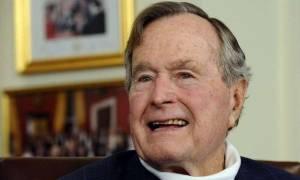ΗΠΑ: Ο Τζορτζ Μπους ο πρεσβύτερος αναπνέει χωρίς μηχανική υποστήριξη