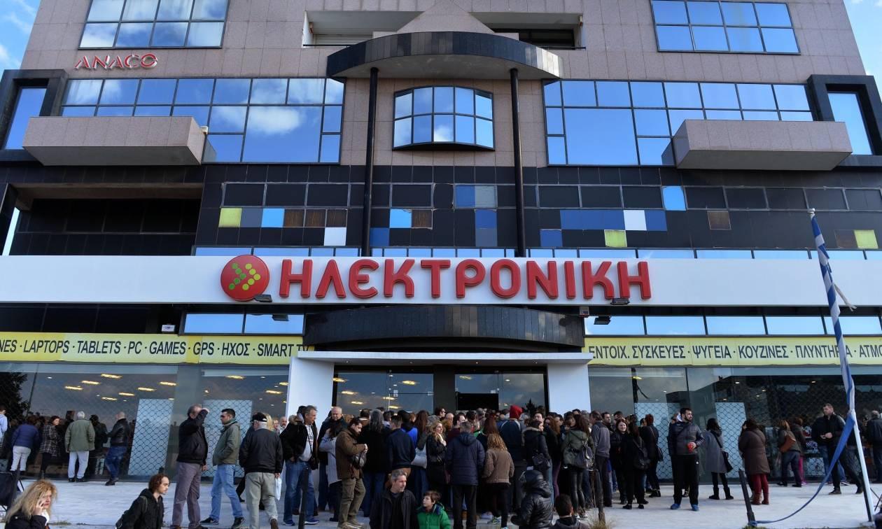 Ηλεκτρονική Αθηνών: Ουρές και παράπονα από καταναλωτές