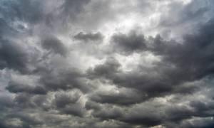 Καιρός: Συννεφιασμένη η Κυριακή – Παγετός και χαμηλές θερμοκρασίες