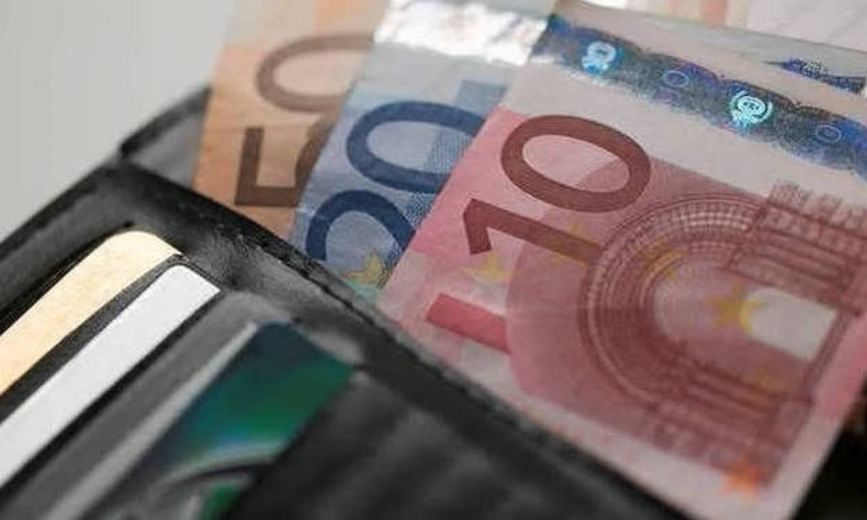 Ρόδος: Βρήκε πορτοφόλι και δεν πίστευε στα μάτια του με το ποσό που αντίκρισε! (pic)