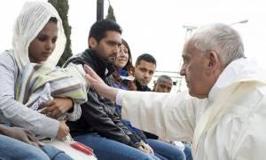Πάπας Φραγκίσκος: H Ελλάδα αποτελεί παράδειγμα προς μίμηση
