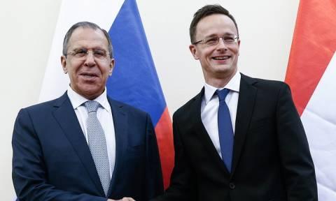 Лавров обсудит с главой МИД Венгрии вопросы двусторонней повестки дня