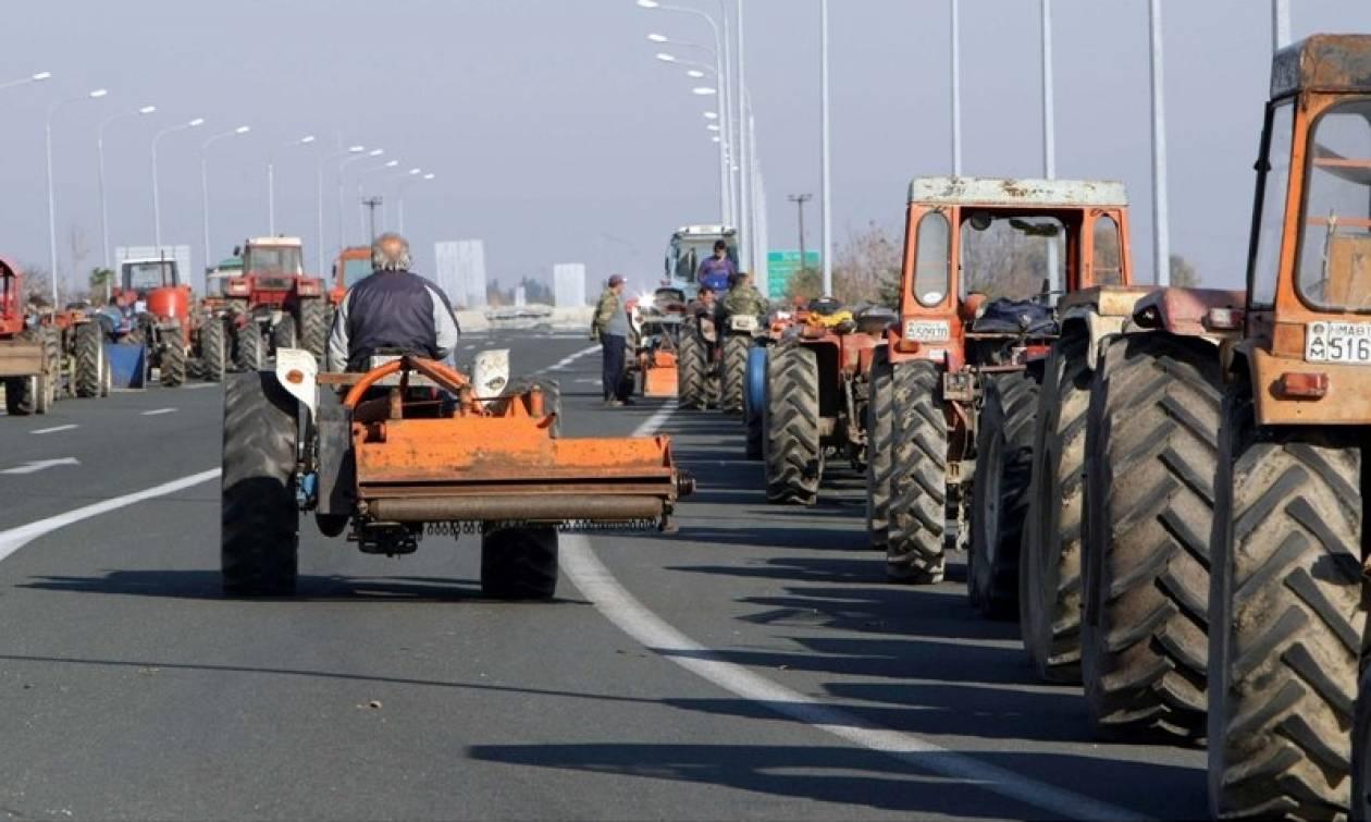 Μπλόκα αγροτών 2017: Βγήκαν τα τρακτέρ στη Βέροια