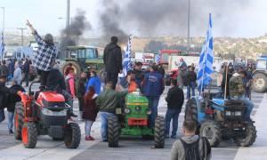 Μπλόκα αγροτών 2017: Ξεκίνησαν οι κινητοποιήσεις - Έκλεισε η Ιόνια Οδός