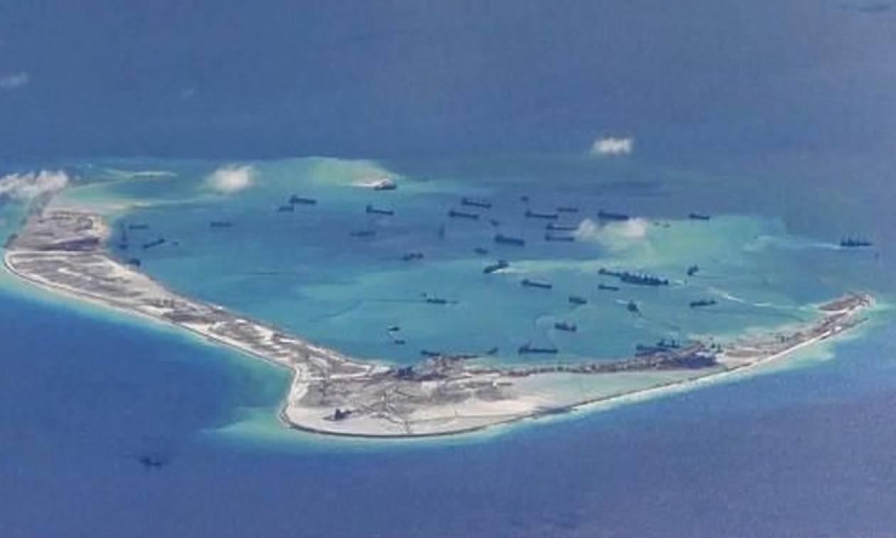 Ο Λευκός Οίκος προειδοποιεί την Κίνα για τη Νότια Σινική Θάλασσα