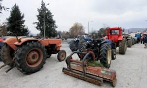 Μπλόκα αγροτών: «Κομμένη» στα δύο η δυτική Ελλάδα