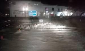 Καιρός: Σοβαρά προβλήματα από την σφοδρή βροχόπτωση στην Πάρο (pics)