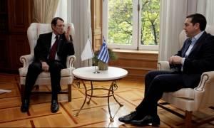 Τηλεφωνική επικοινωνία Τσίπρα - Αναστασιάδη για το Κυπριακό