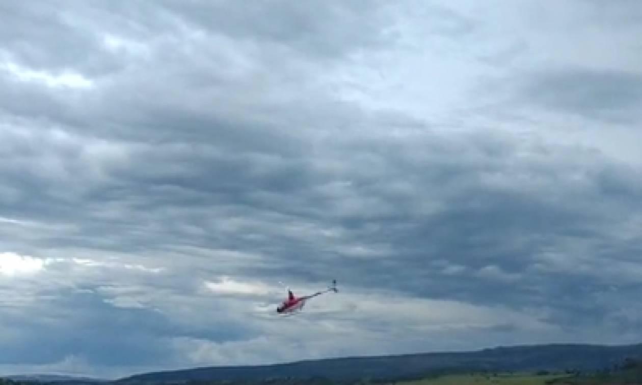 Σοκαριστική πτώση ελικοπτέρου σε λίμνη, μπροστά στην κάμερα (video)