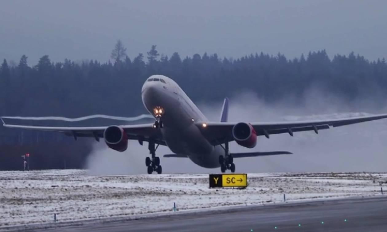 Εχετε δει ποτέ απογείωση Boeing σε σούπερ slow motion; (video)