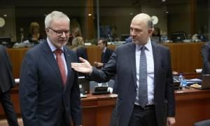 Eurogroup - Μοσκοβισί: Αναγκαία μια συνολική συμφωνία για τα εκκρεμή ζητήματα