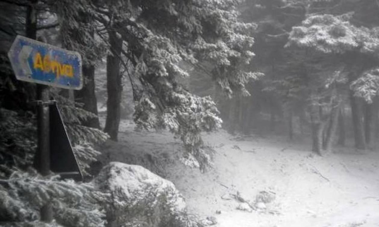 Καιρός Live: Χιονίζει στην Αθήνα – Δείτε ζωντανή εικόνα