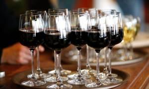 Ψάχνουν ισοδύναμα ακόμη και για κατάργηση του ΕΦΚ στο κρασί