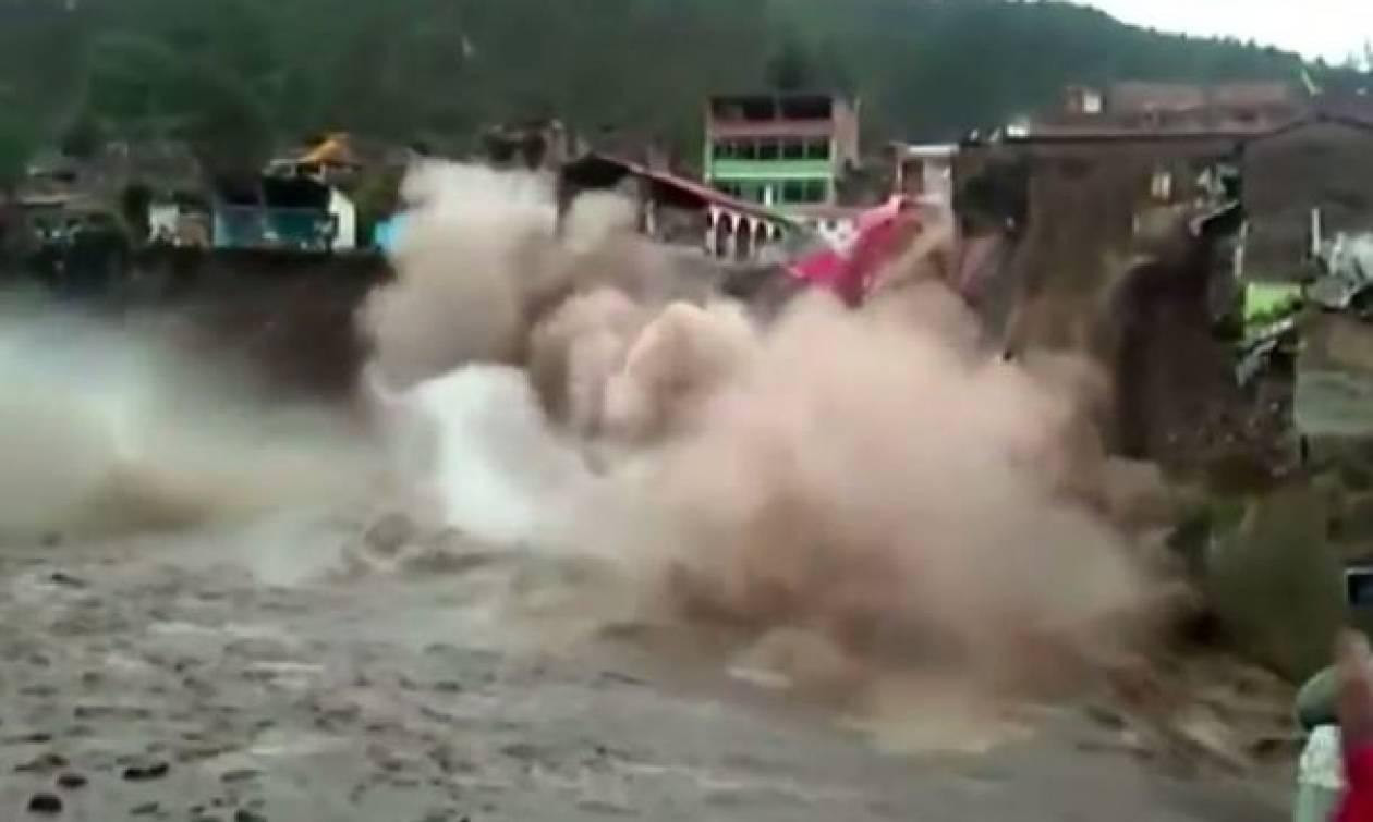 Απίστευτο βίντεο: Ξενοδοχείο κατέρρευσε μέσα σε ποτάμι στο Περού