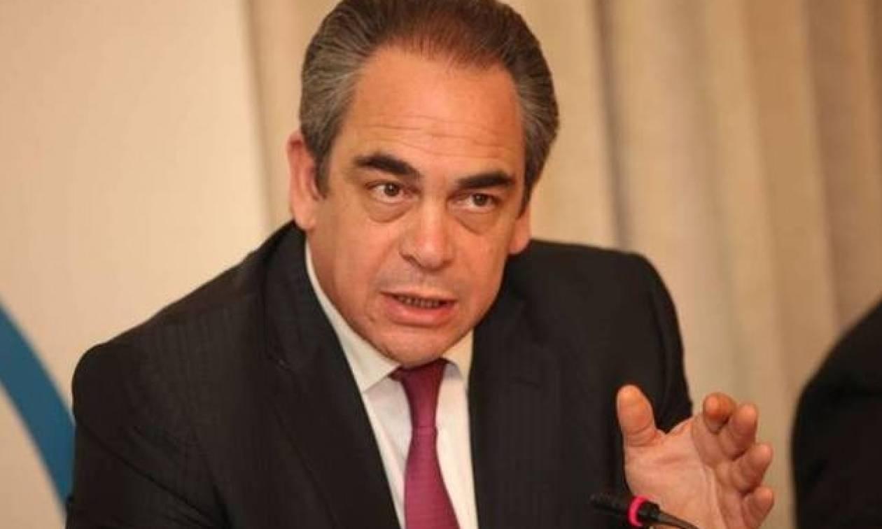 Μίχαλος: Πλεόνασμα 2,5% και μείωση φορολογικών βαρών 1% για να ξεκινήσει η ανάπτυξη