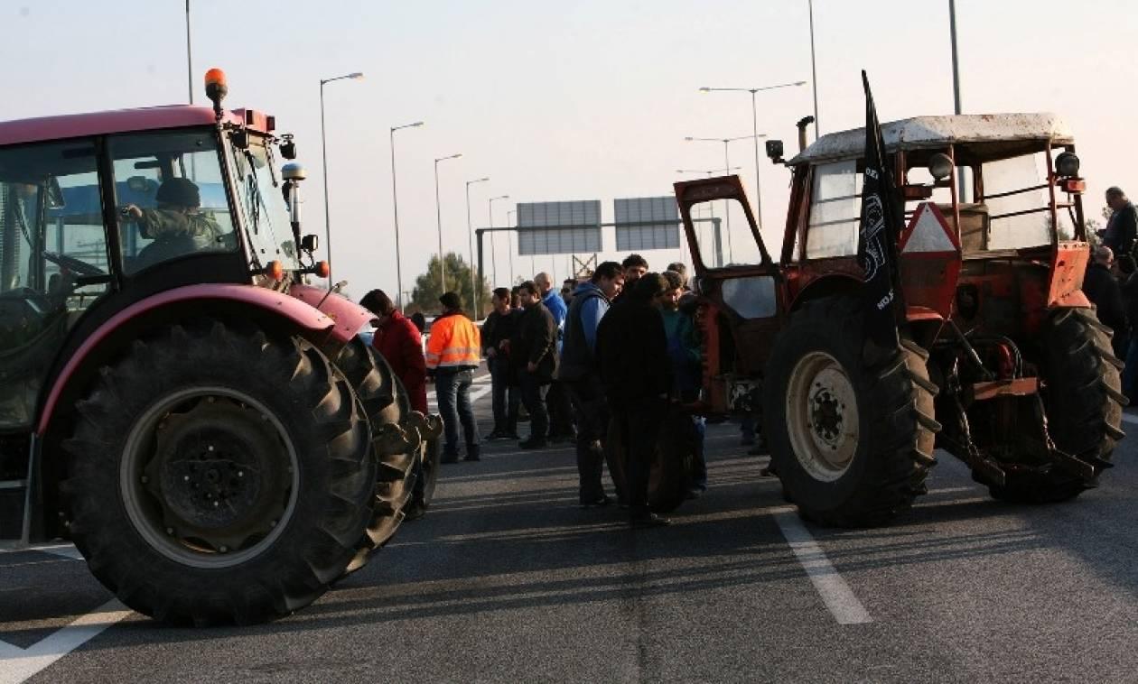 Μπλόκα αγροτών: Αποκλεισμός κομβικών σημείων στο «μενού» των κινητοποιήσεων