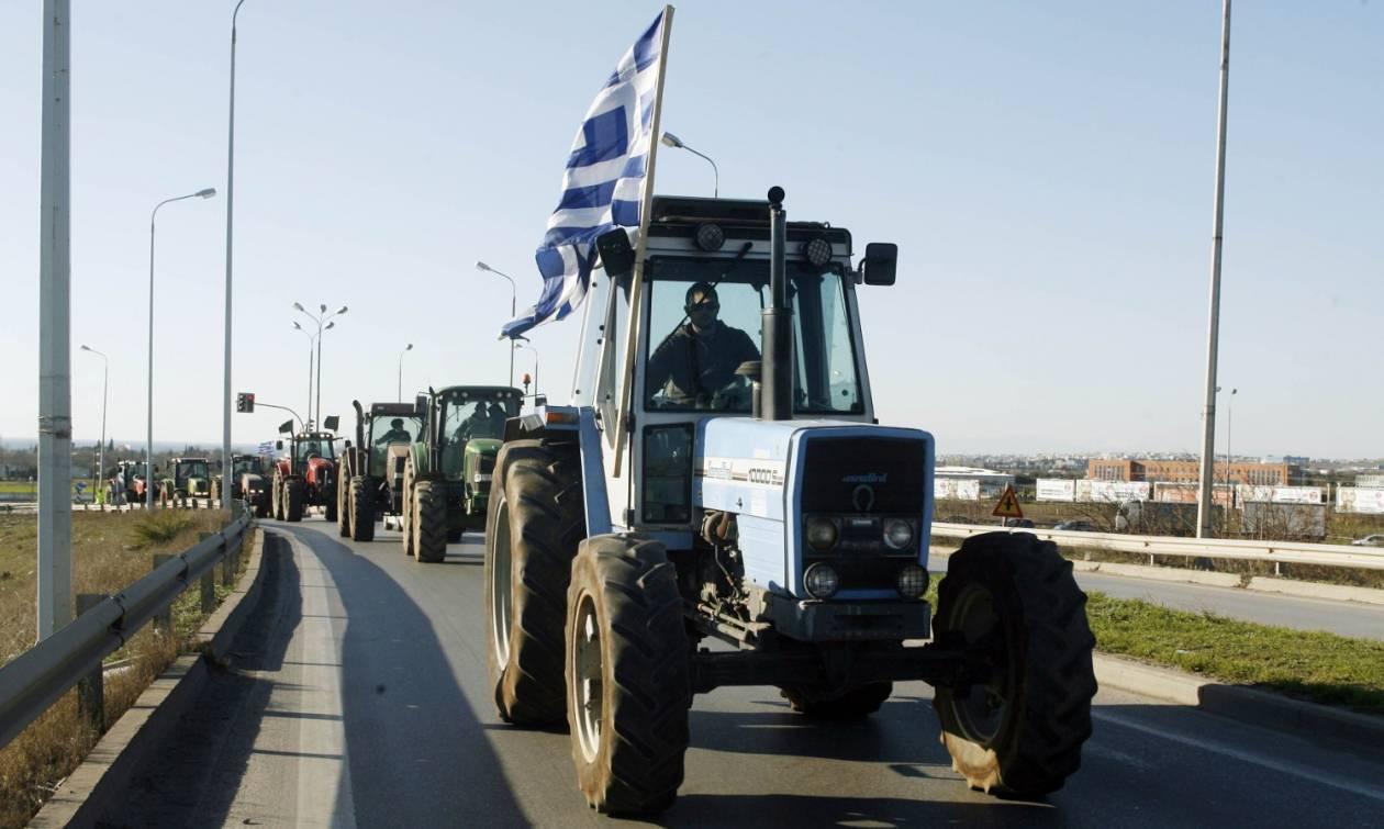 Μπλόκα αγροτών: Κλειστή για περισσότερες από 5 ώρες η εθνική οδός Θεσσαλονίκης - Ευζώνων