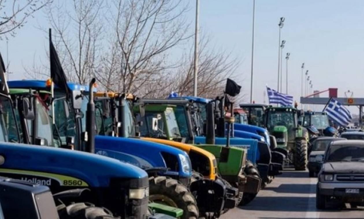 Μπλόκα αγροτών: Στους δρόμους τα τρακτέρ της Φθιώτιδας, κλείνει και η Αθηνών - Λαμίας (video)