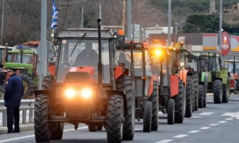 Μπλόκα αγροτών: «Κομμένη» στα δύο η Πελοπόννησος - Κλειστή η νέα εθνική οδός Πατρών - Κορίνθου