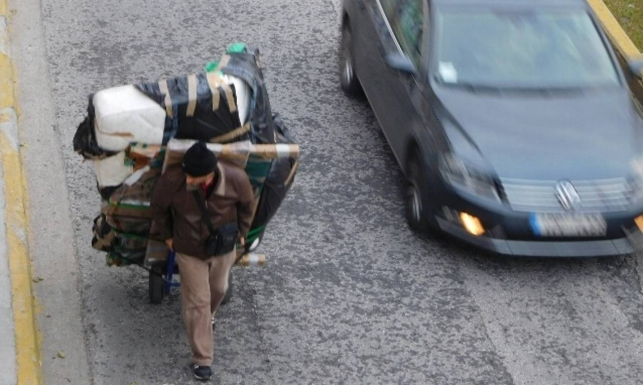 Όπου φτωχός κι η μοίρα του: Το χαμηλό οικονομικό επίπεδο φέρνει πρόωρο θάνατο