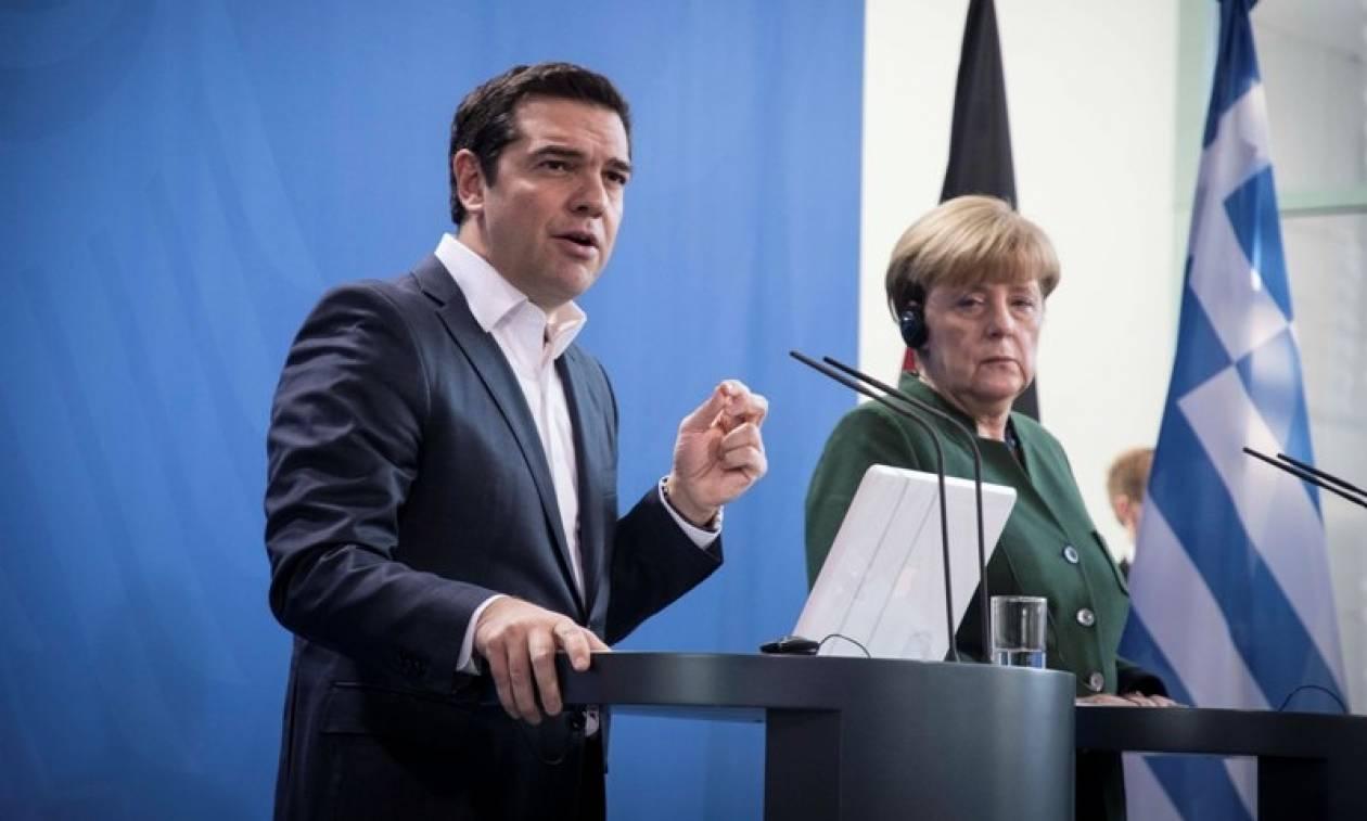 Τηλεφωνική επικοινωνία Τσίπρα με Μέρκελ για τις τουρκικές προκλήσεις - Πάει Ουκρανία ο πρωθυπουργός