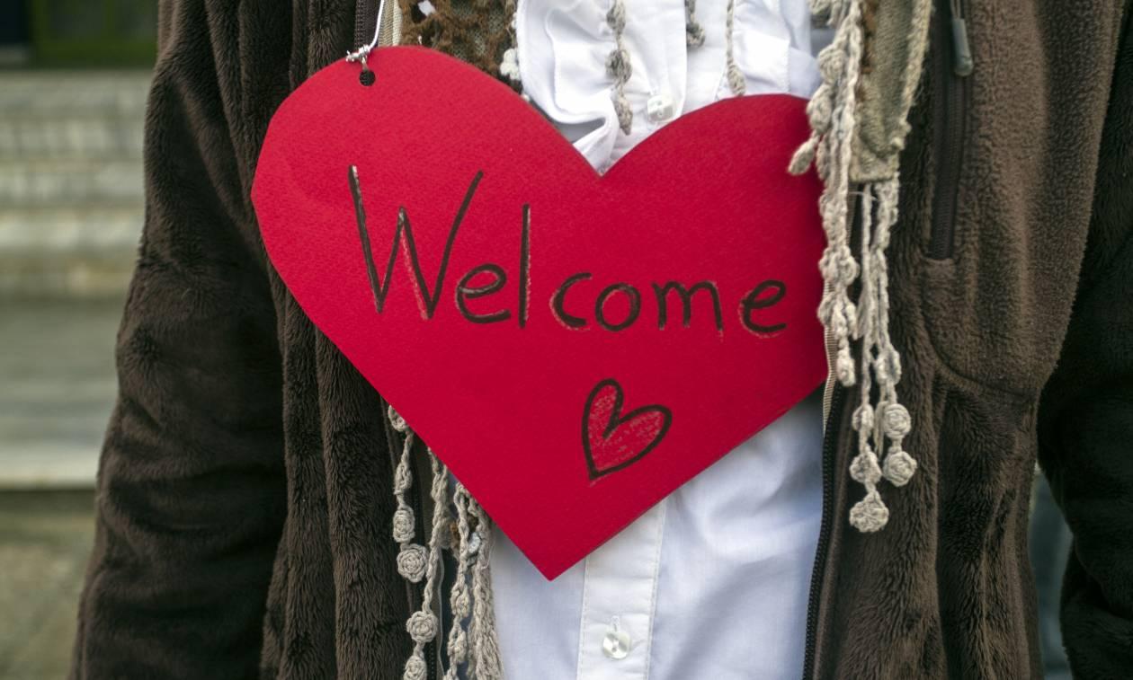 Λάρισα: Θερμό καλωσόρισμα για τα προσφυγόπουλα στο 26ο δημοτικό σχολείο (photos)