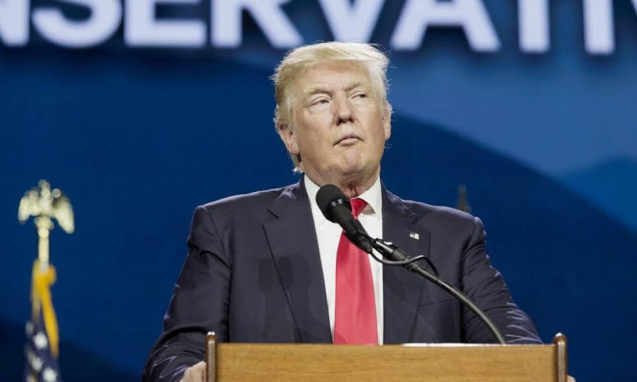 Ο Τραμπ σκληραίνει τη στάση του κατά του Ιράν μετά την εκτόξευση βαλλιστικού πυραύλου
