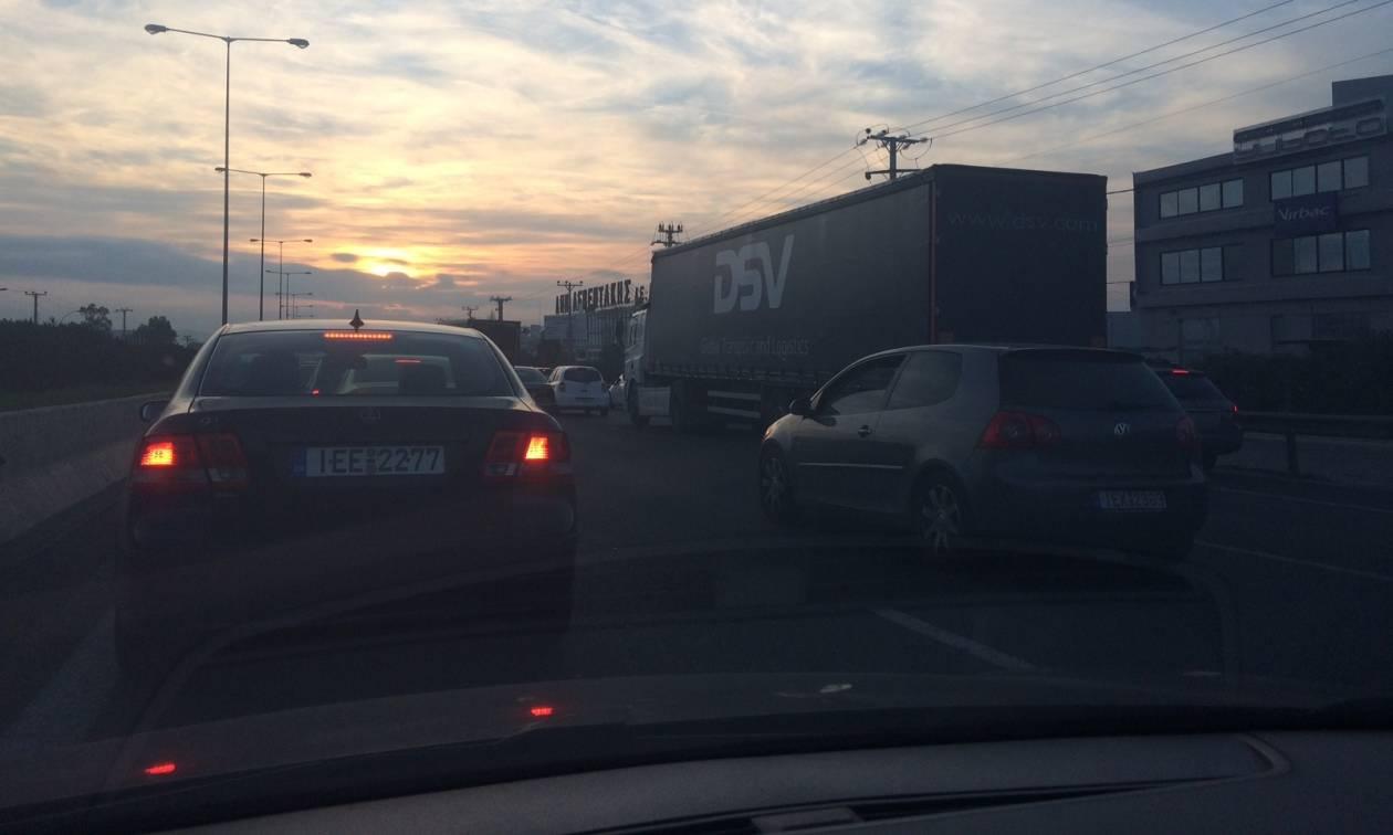 ΤΩΡΑ: Αποφύγετε τον Κηφισό - Μποτιλιάρισμα χιλιομέτρων λόγω τροχαίου